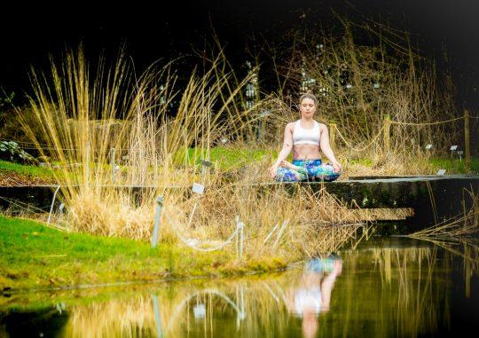 valis_tadasana_zermatt_yoga_zurich_botanical_gardens_01