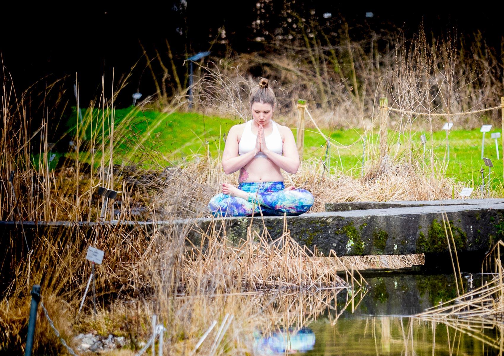 valis_tadasana_zermatt_yoga_zurich_botanical_gardens_02